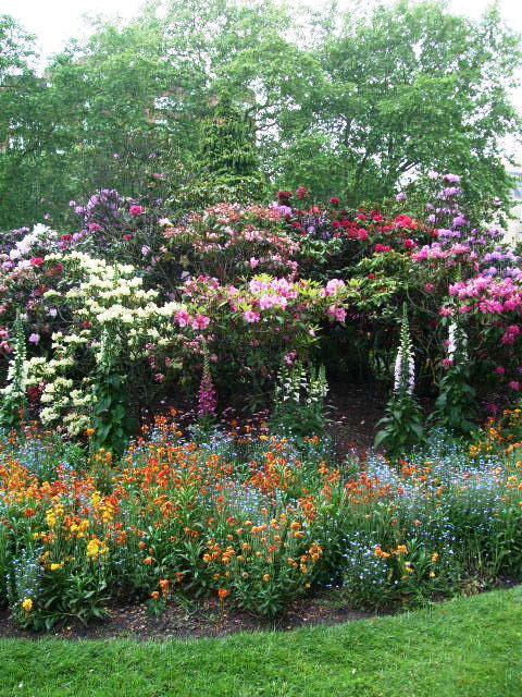 Go Admire The Gardens ...